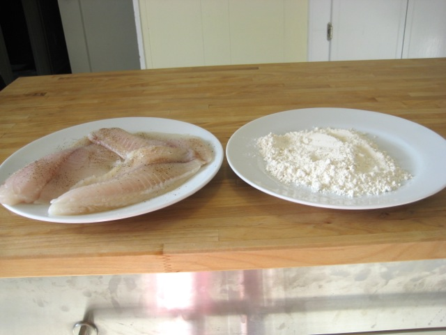 Fish with flour for dredging